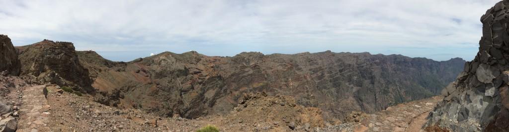 Die Observatorien und der östliche Calderakamm