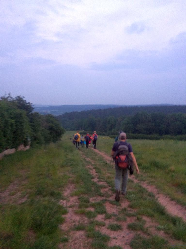 Vorbei an Ilmnitz ... neue Streckenführung. Kein Weidezaunklettern mehr. Keine nassen Füße in den Wiesen. Aber auch kein krasser downhill mehr ins Tal.