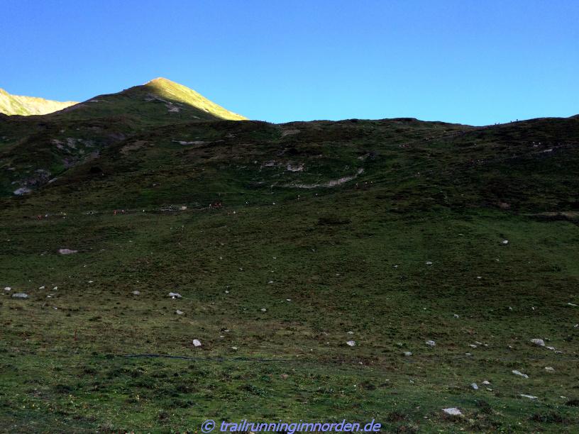 Lange zieht sich der Aufstieg von Col Ferret und dann geht es ganz schnell