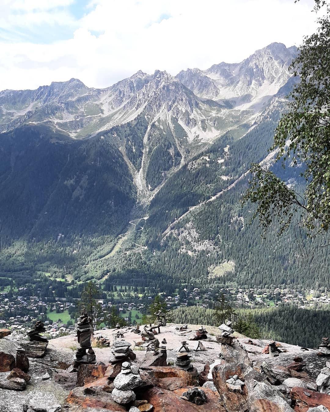 2000m nach oben schauen ... eine kleine Höhe im Chamonix valley.