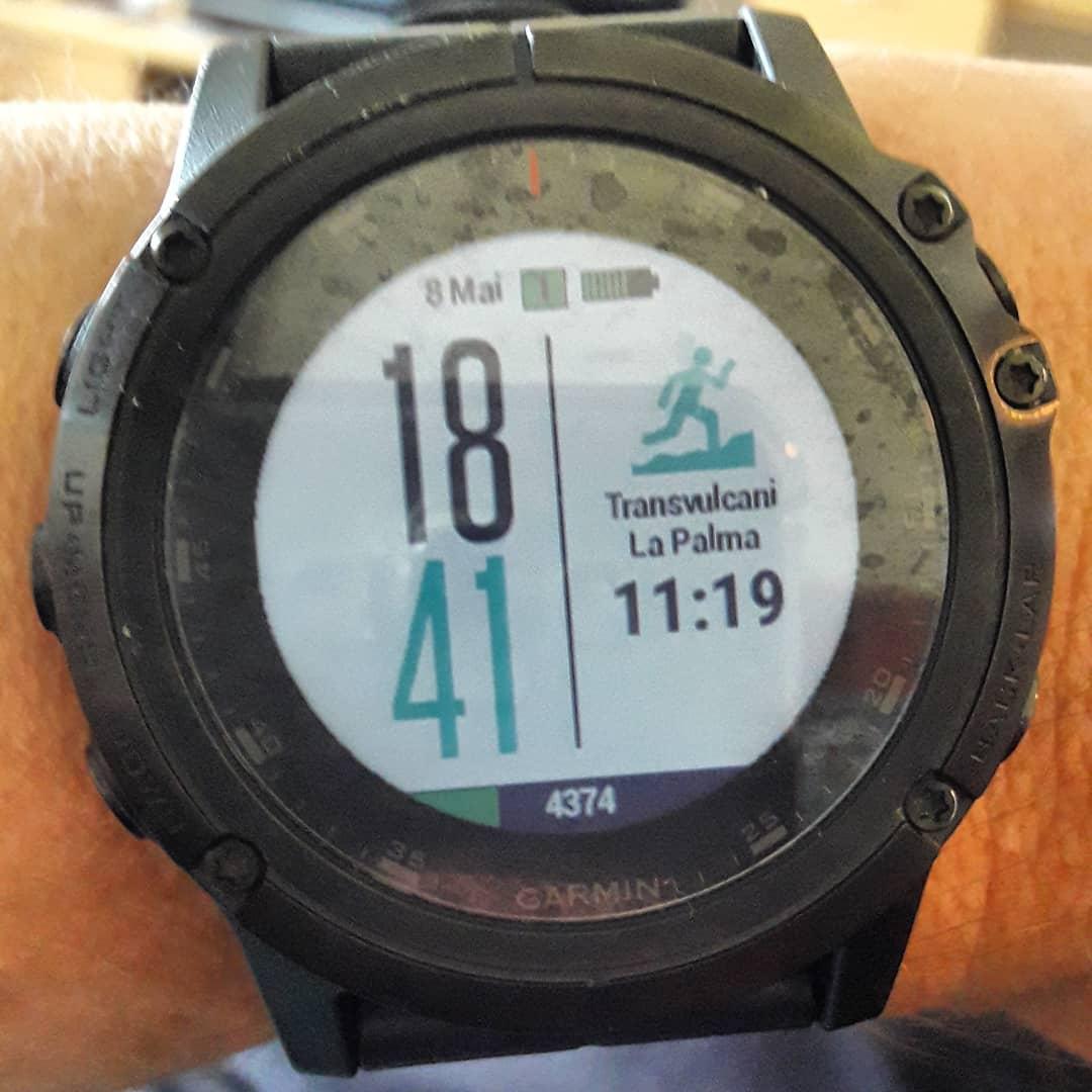 Nach eine Woche auf meiner Lieblingsinsel im Atlantic, dem Vertikal am Mittwoch, dem Halbmarathon heute startet morgen um 6 Uhr der Ultra ... einmal über die Caldera vom Lighthouse im Süden bis nach Los Llanos ... geiler Plan. Vielleicht irgendwann mal wieder.