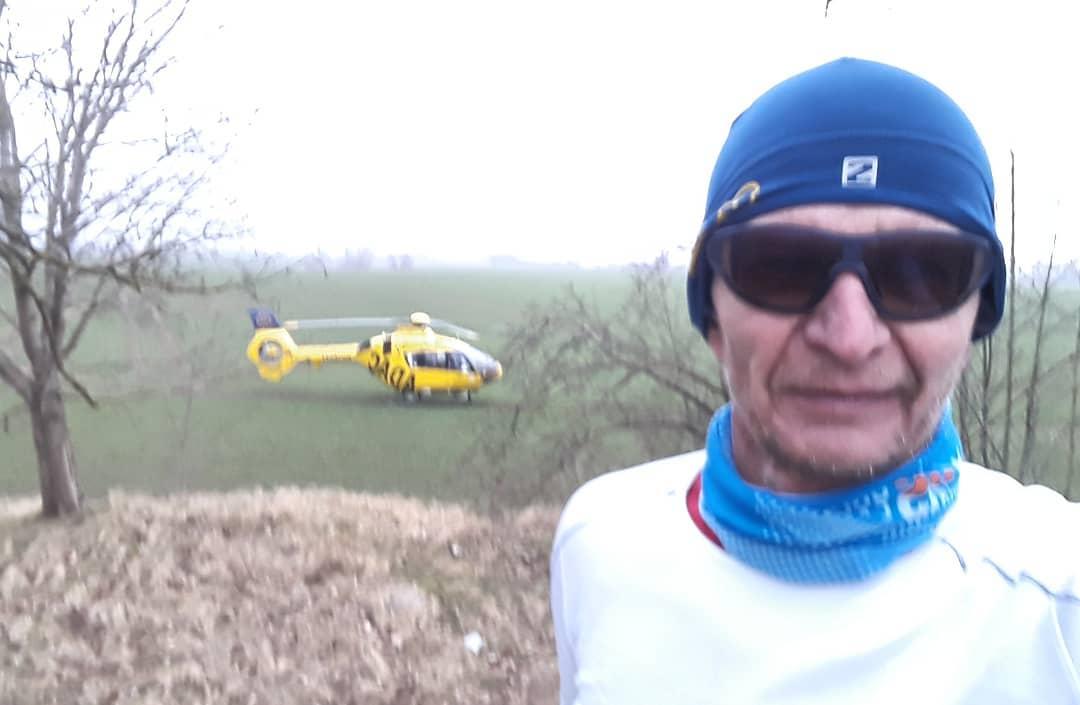 Ich liebe lange Läufe mit Hubschrauber. Am liebsten mit Rucksack. Wenn wir nicht zum Hubschrauber kommen, kommt der Hubschrauber zu uns. @marathondessables Wunderschöne Runde durch unsere Waldgebiete